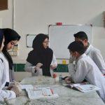 حضور دانش اموزان در آزمایشگاههای پژوهشسرا جهت آمادگی بیشتر در مسابقات استانی آزمایشگاه علوم تجربی